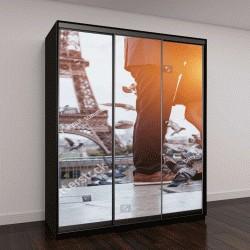 """Шкаф купе с фотопечатью """"пара возле Эйфелевой башни в Париже, романтический поцелуй"""""""