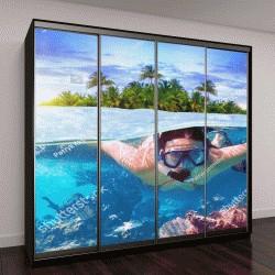 """Шкаф купе с фотопечатью """"Молодая женщина плавает в тропических водах"""""""