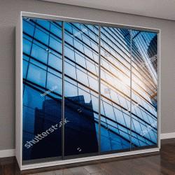 """Шкаф купе с фотопечатью """"Современное офисное здание на фоне голубого неба """""""