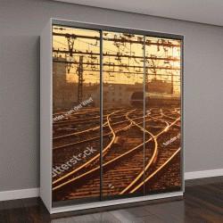 """Шкаф купе с фотопечатью """"поезда на железнодорожных путях во время восхода солнца"""""""