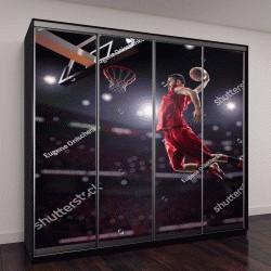 """Шкаф купе с фотопечатью """"красный баскетболист в тренажерном зале"""""""