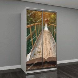 """Шкаф купе с фотопечатью """"Путь по подвесному мосту в туманном лесу на страницах открытой книги"""""""