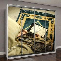 """Шкаф купе с фотопечатью """"Мусульманка молится в комнате возле окна"""""""