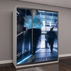 """Шкаф купе с фотопечатью """"большой центр обработки данных с людьми"""""""