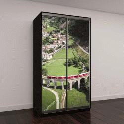 """Шкаф купе с фотопечатью """"швейцарский поезд в движении по окружной железной дороге в небольшом городе Брусио"""""""
