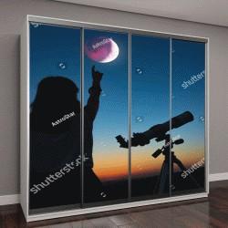 """Шкаф купе с фотопечатью """"Девушка смотрит на лунное затмение через телескоп"""""""