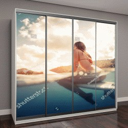 """Шкаф купе с фотопечатью """"молодая женщина на доске для серфинга в океане """""""