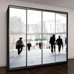 """Шкаф купе с фотопечатью """"Группа людей стоит на фоне современных зданий"""""""