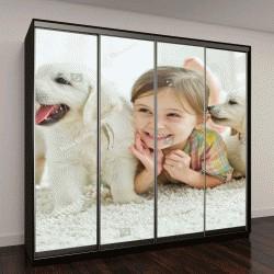"""Шкаф купе с фотопечатью """"Ребенок с собакой на ковре у себя дома"""""""