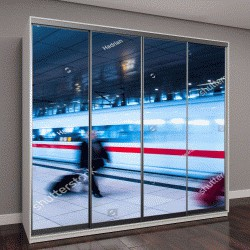 """Шкаф купе с фотопечатью """"железнодорожный вокзал Франкфурта и движение людей в час пик """""""