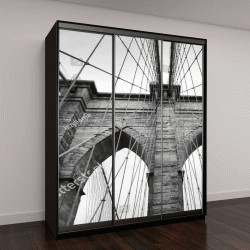 """Шкаф купе с фотопечатью """"Бруклинский мост Нью-Йорка вблизи архитектурная деталь в вневременной черный и белый"""""""