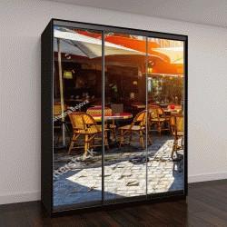 """Шкаф купе с фотопечатью """"Типичный вид на парижские улицы со столиками в ресторане (кафе) в Париже, Франция"""""""