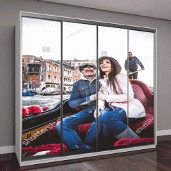 """Шкаф купе с фотопечатью """"Пара влюбленных на отдыхе в Венеции, Италия - туристы, поездки на Венецианской гондоле"""""""