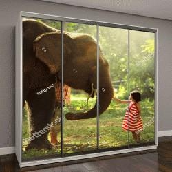 """Шкаф купе с фотопечатью """"Девочка игралет со слонами в дикой природе"""""""