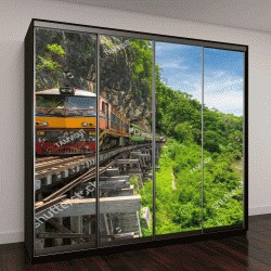 """Шкаф купе с фотопечатью """"тайский поезд на мосту через реку Квай в Канчанабури, Таиланд"""""""
