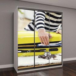 """Шкаф купе с фотопечатью """"сбор вещей в отпуск, желтый чемодан"""""""