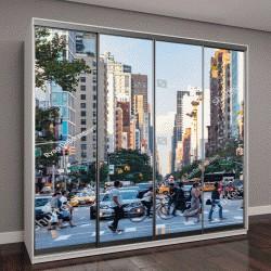 """Шкаф купе с фотопечатью """"пешеходы на авеню в час пик в районе Ист-Виллидж на Манхэттене в Нью-Йорке"""""""