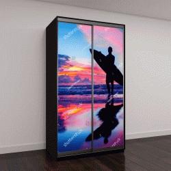 """Шкаф купе с фотопечатью """"Юная серфингистка с доской на пляже"""""""