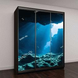 """Шкаф купе с фотопечатью """"свет солнца в подводной пещере"""""""