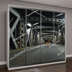 """Шкаф купе с фотопечатью """"Асфальтированная дорога под стальными конструкциями моста в городе"""""""