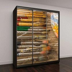 """Шкаф купе с фотопечатью """"Цветовая палитра с различными кистями на деревянном полу в студии"""""""