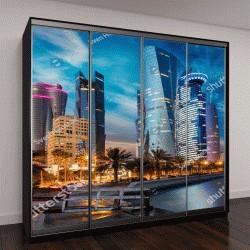"""Шкаф купе с фотопечатью """"Городской пейзаж, центр города Доха после захода солнца, Катар"""""""