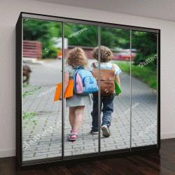 """Шкаф купе с фотопечатью """"Двое учащихся начальной школы идут рука об руку"""""""